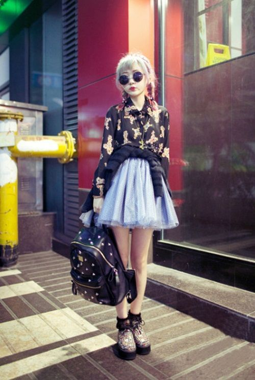 Tokyo street style. love this outfit...