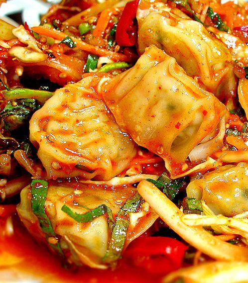 비빔만두 BIBIM MANDOO (Tossed Dumplings):