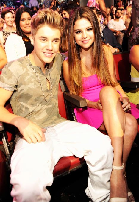 Justin Bieber and Selena Gomez just can't seem to stay away from each other!