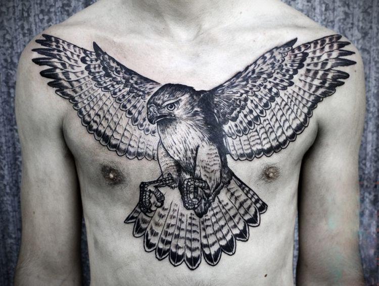 Tatuajes en el pecho - más de 20 diseños para hombres atrevidos Tattoo