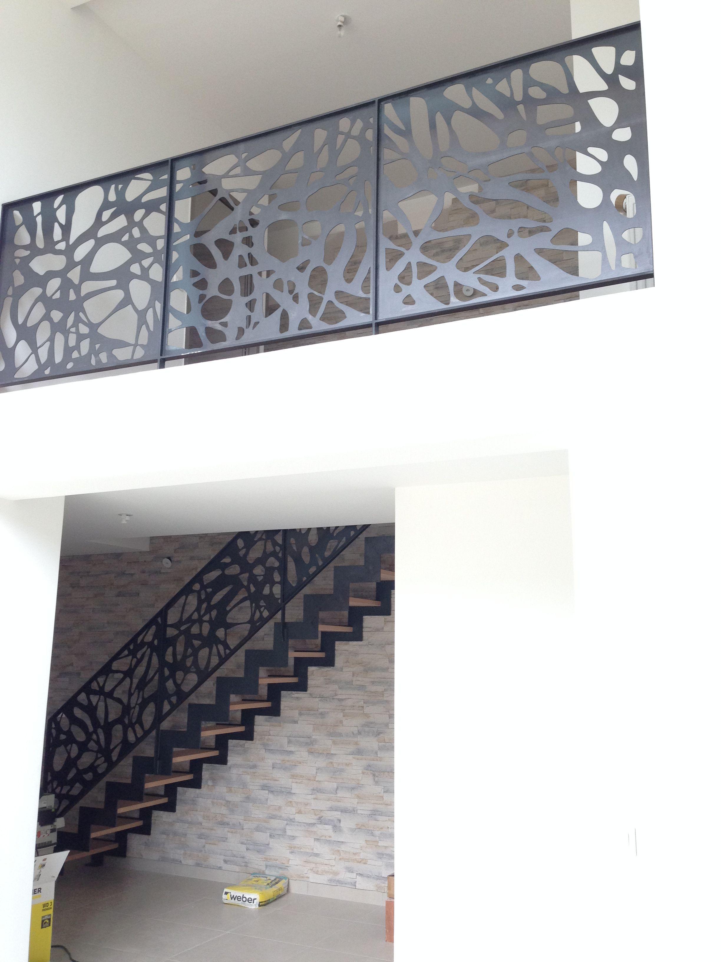 Escalier Et Garde Corps Design Decoupe Laser Balustrade En Acier Escalier Escaliers Metal