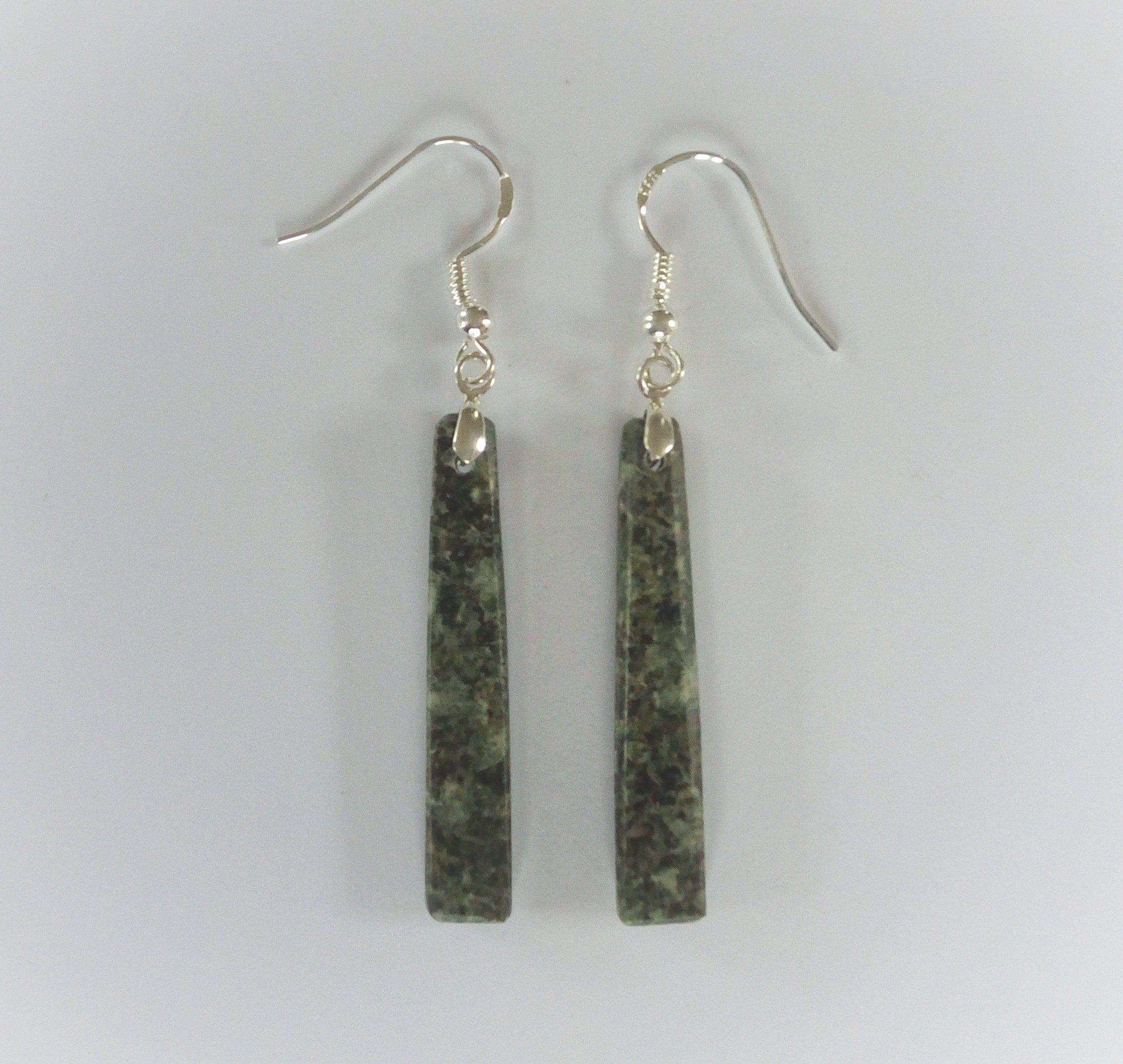 made in Wales Stonehenge stone Preseli Bluestone /& 925 silver drop pendant