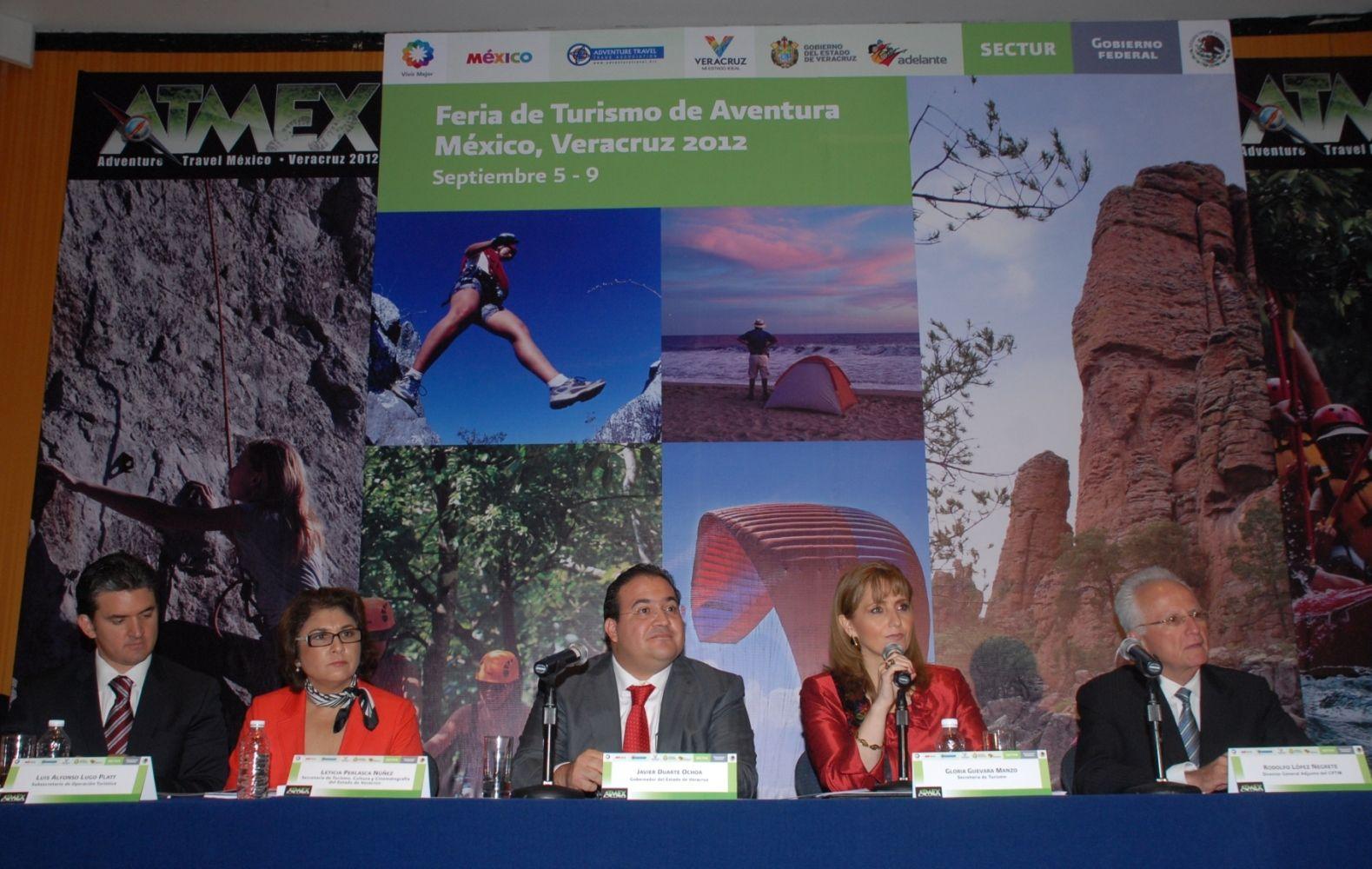 Durante la presentación de la Primera Feria de Turismo de Aventura México, Veracruz 2012, se informó que la entidad, además de sus extensos recursos naturales, posee un importante Patrimonio Cultural conformado por fiestas, tradiciones, gastronomía, Pueblos Mágicos y sitios declarados por la Unesco como patrimonio mundial.