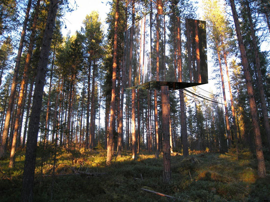 the mirror tree house located 40 miles south of the artic circle in sweden
