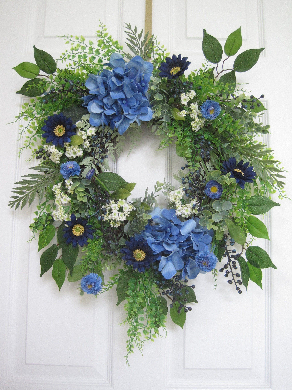 Photo of Blauer Frühlingskranz für Haustür, Sommerkranz, handgefertigte Kränze, blaue Hortensien, Blaubeeren, Eukalyptus, Weinkranz, Geschenke
