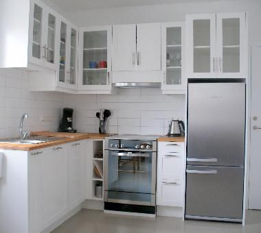 Kitchen with full size fridge and oven/stove | house ideas ...