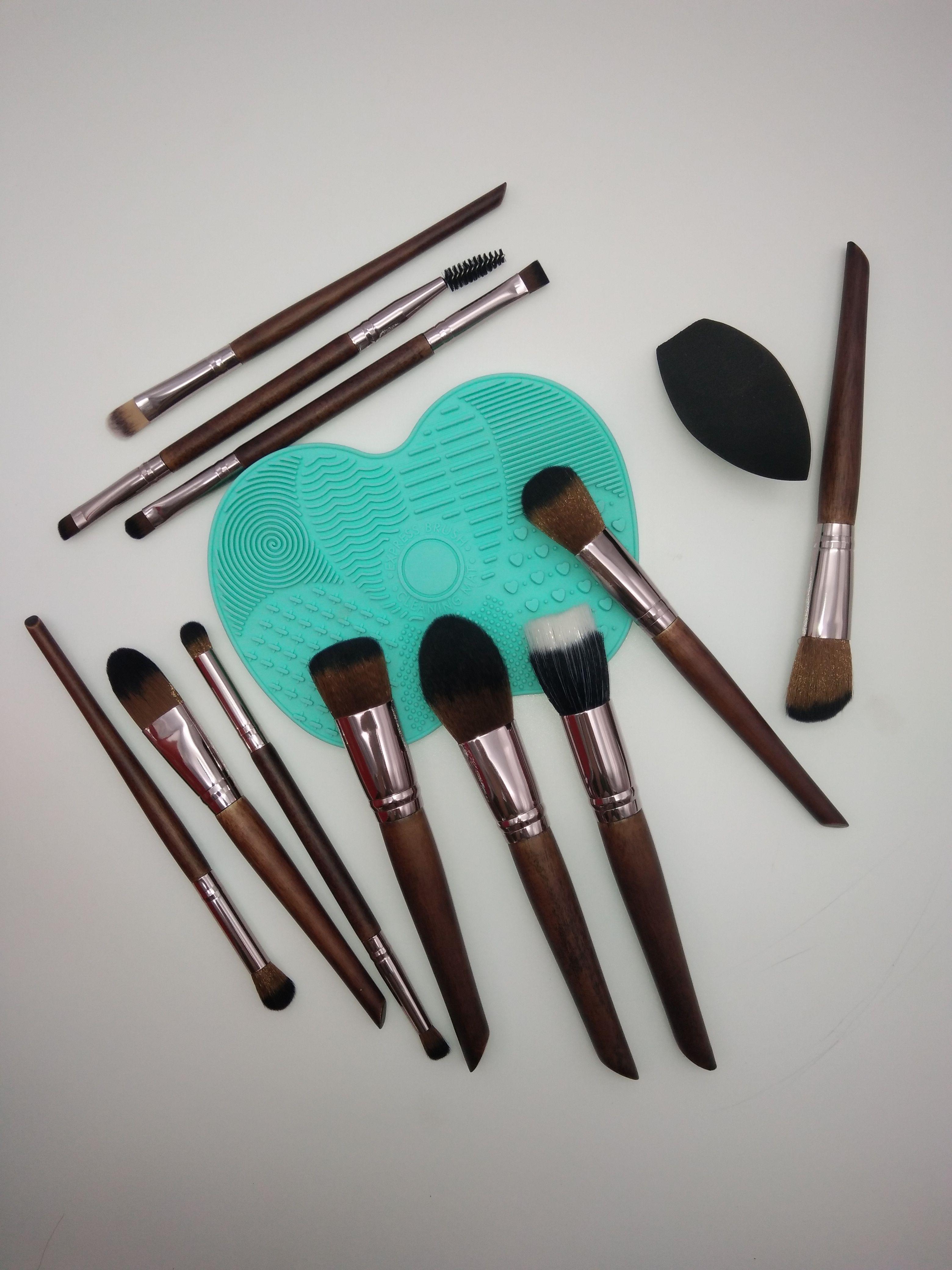 Soft hair makeup brushes set & cleaning pad/mat & makeup