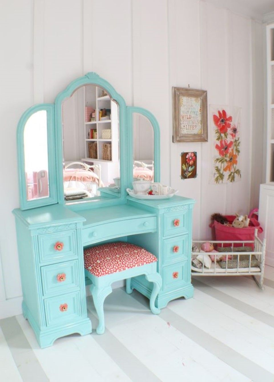 Bedroom ideas for teenage girls teal and pink - Cute Dressing Table Redo For A Little Girl Or Teen