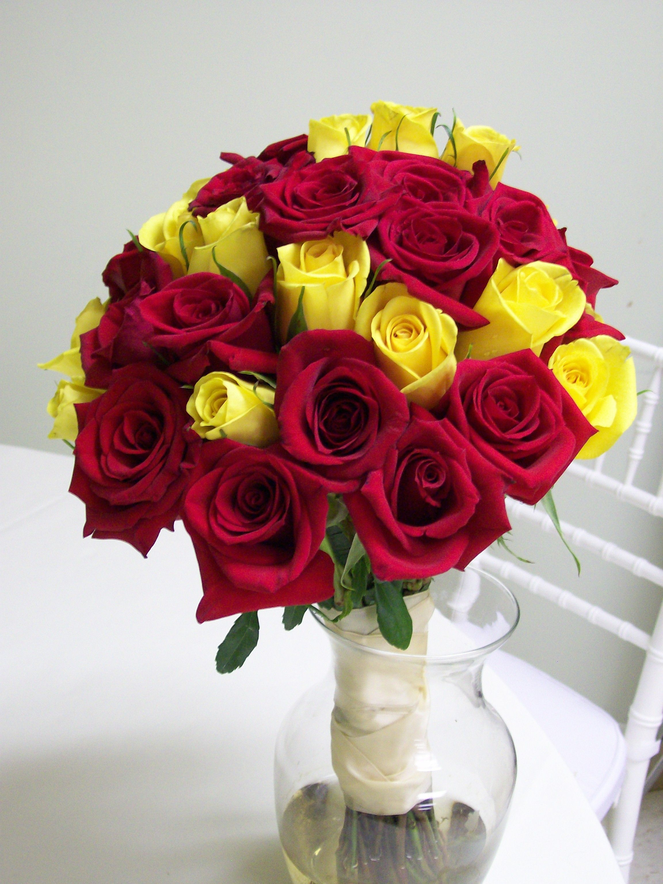 Red and yellow wedding flowers carrie anne powell red for Images of bouquets of roses