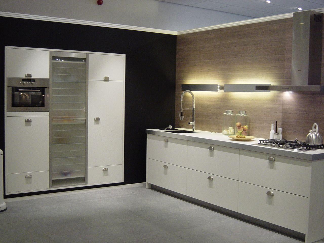 Grando Keukens Amsterdam : Showroomkeuken heerhugowaard milo grando keukens & bad