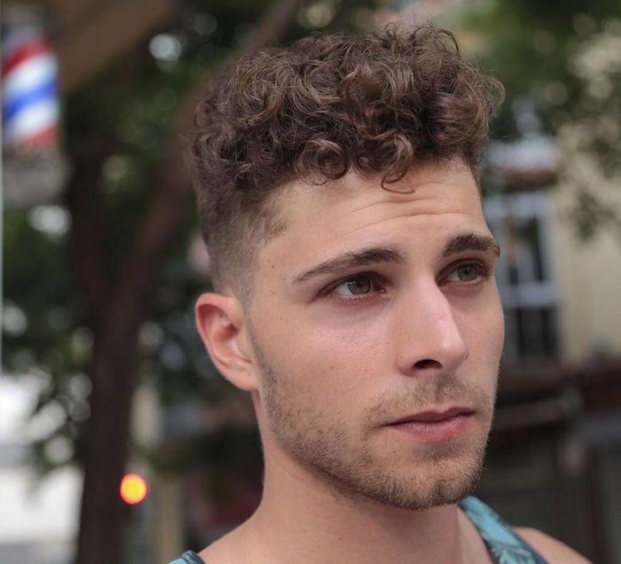 1001 Idees Cheveux Boucles Homme Notre Grain De Sel En Tuto Coiffure Homme Coupe De Cheveux Coupe Cheveux Homme