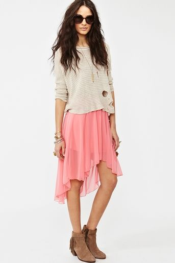 coral chiffon flutter skirt with knit crewneck sweater & suede booties
