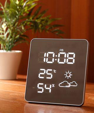 Idea Label 電波スクエアled温湿時計 White 10 000 税抜 時計 スクエア 掛け時計