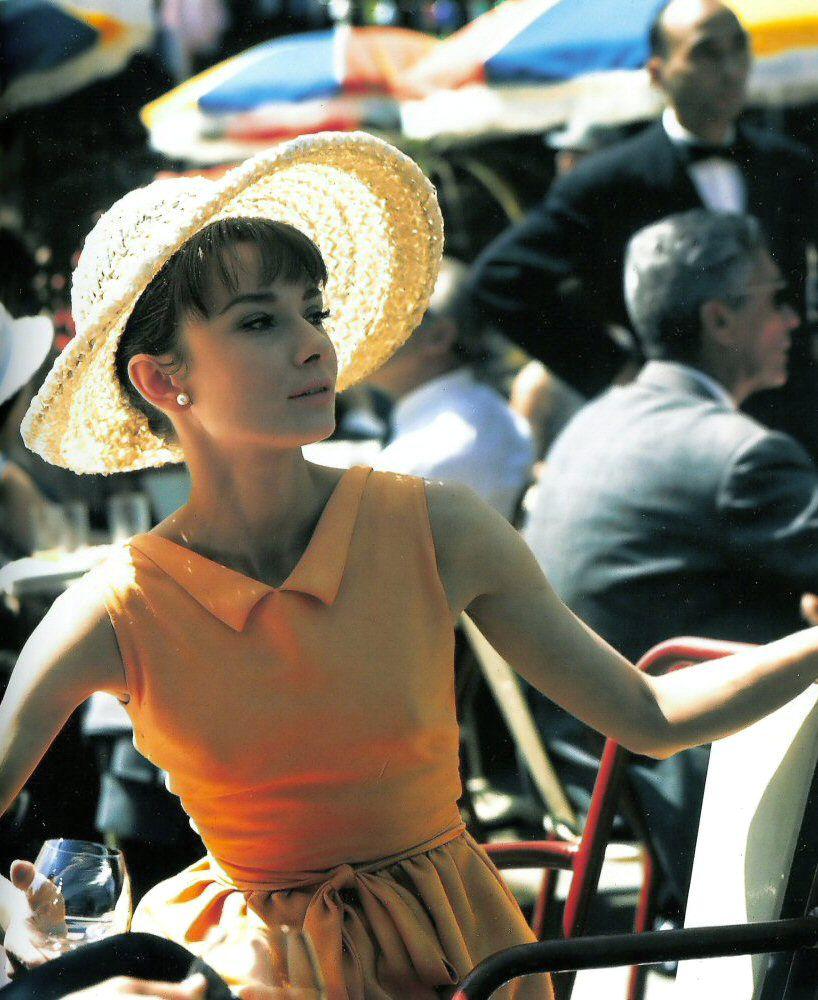 Audrey Hepburn inParis When It Sizzles(1964).