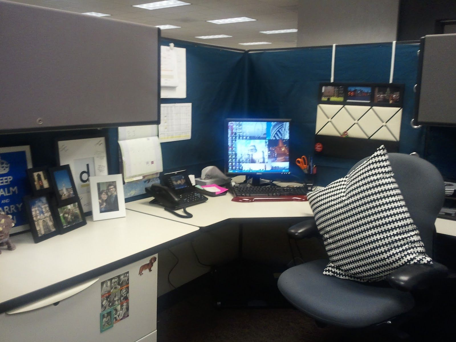 Cardigan Junkie Diy Cubicle Makeover Cubicle Decor Office