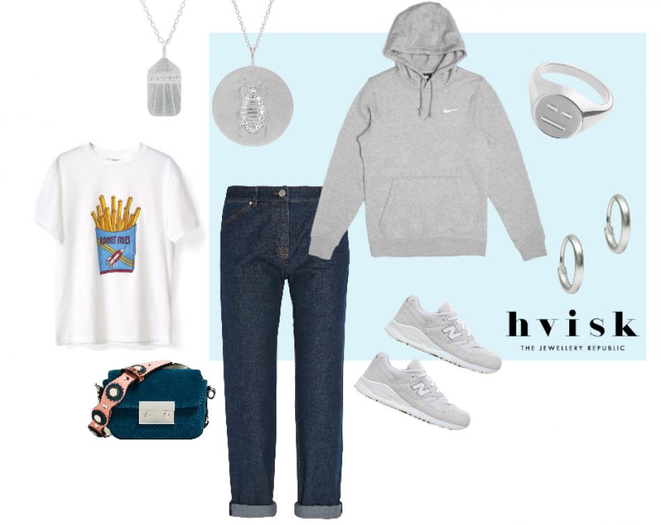 Et casual-outfit, kan nemt piftes op med lidt sølv smykker, for et mere feminint udtryk // #hvisk #hviskstylist #styling #collage #blue #ganni #nike #zara #newbalance #silver #jewelry #jewellery #necklace #pendandt #emoji #tshirt #jeans #hoodie #earrings