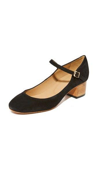 ¡Consigue este tipo de zapato de tacón de A.P.C. ahora! Haz clic para ver los detalles. Envíos gratis a toda España. A.P.C. Victoria Babies Pumps: A stacked heel adds a natural touch to these suede A.P.C. mary janes. Ankle strap with buckle closure. Leather sole. Leather: Calfskin. Made in Portugal. This item cannot be gift-boxed. Measurements Heel: 1.5in / 40mm (zapato de tacón, tacones, tacon, tacon alto, tacón alto, heel, heels, schuhe mit absatz, zapato de tacón, chaussure à talon...