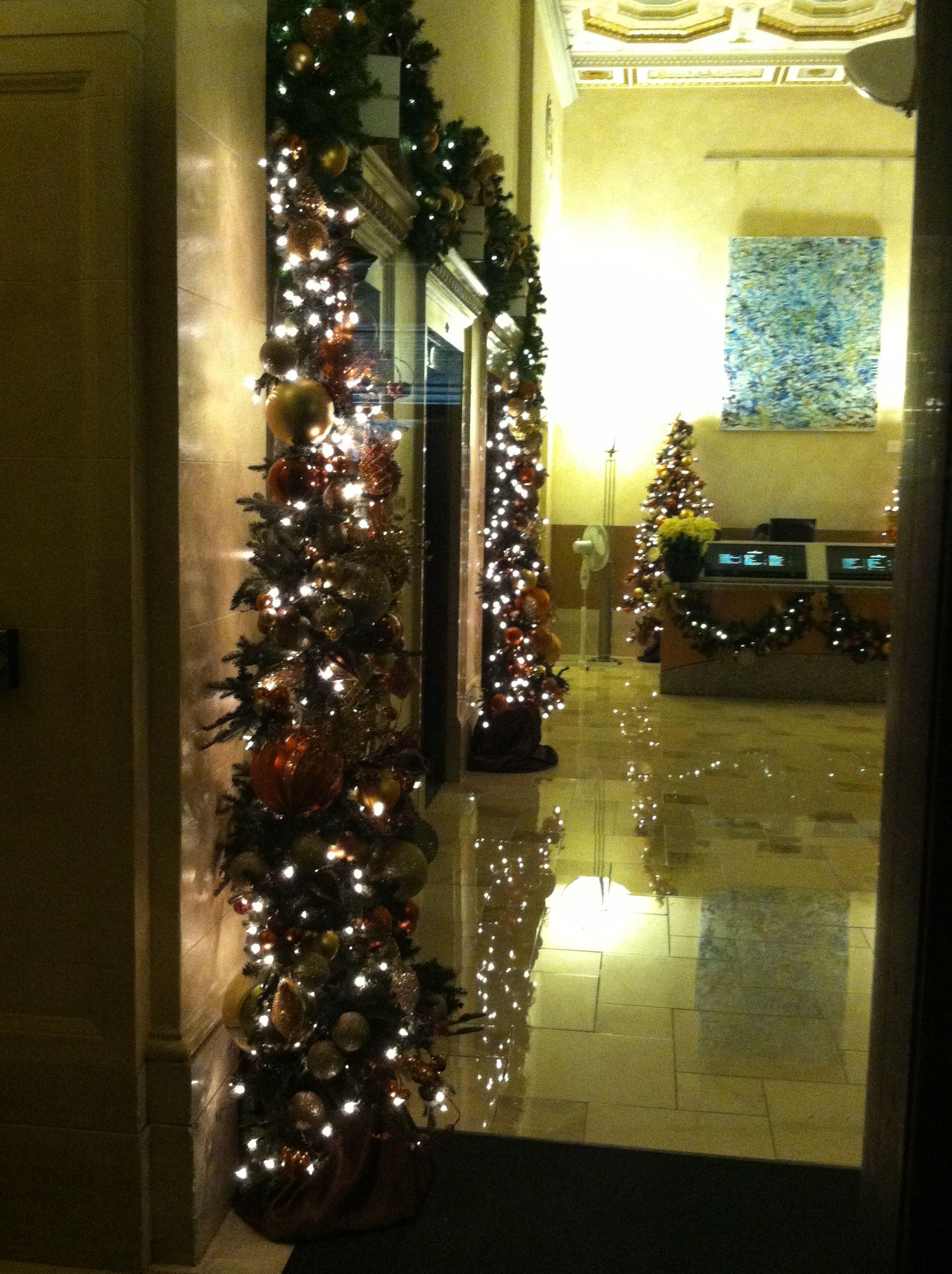 Elevator Lobby On Sansome Sf Fidi Lobby Christmas Decor By Http
