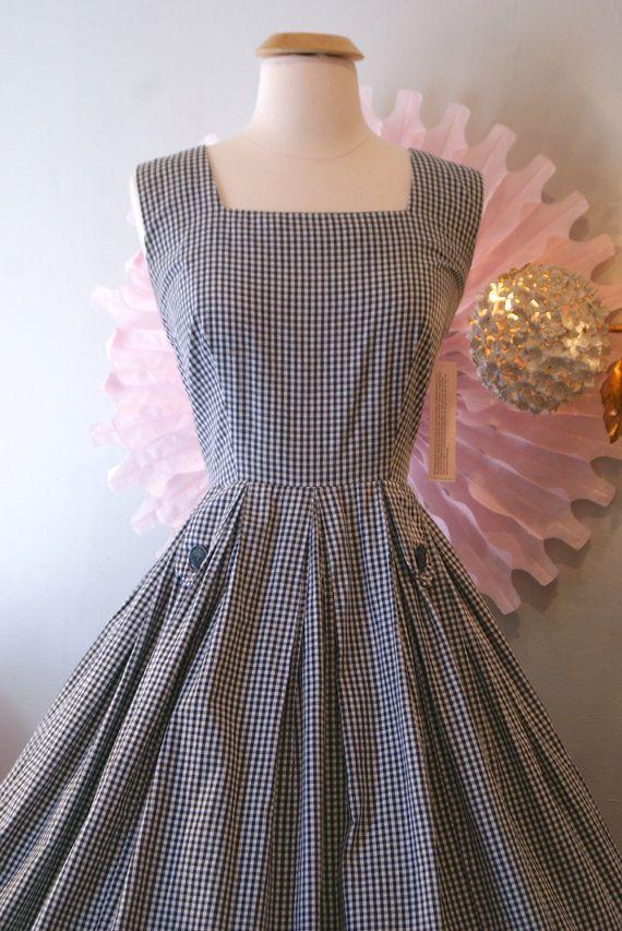 1950's Pretty Gingham Dress
