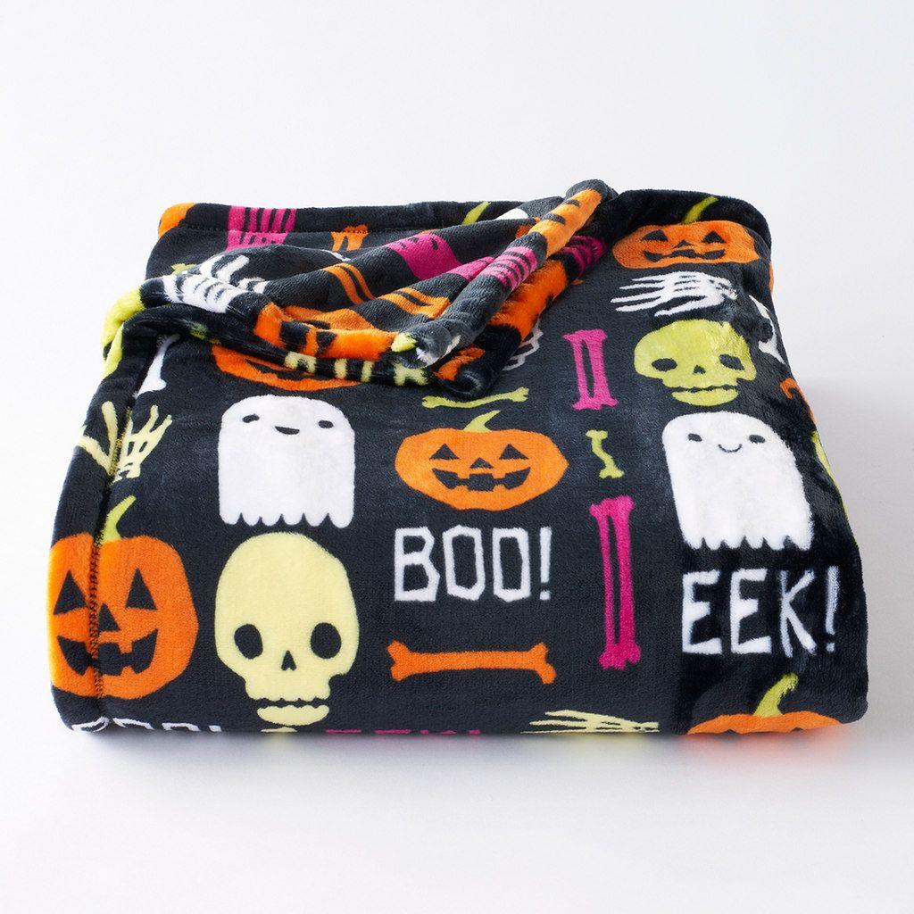 Halloween Skulls Super Soft Plush Throw Blanket 72 X 60