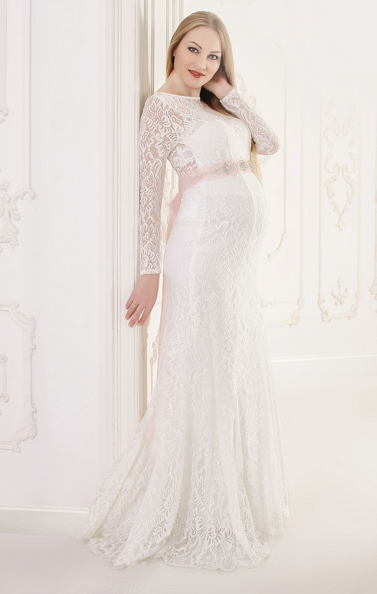 19 Of The Most Gorgeous Maternity For Pregnant Brides