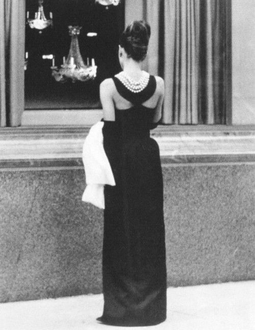 The Age Of Elegance) Breakfast at Tiffanys | Audrey Hepburn ...