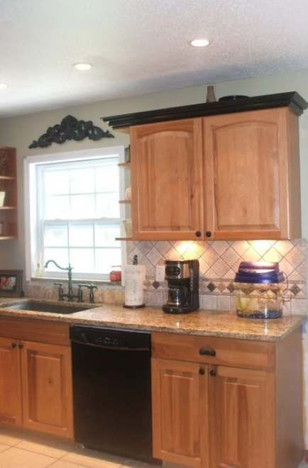 51 trendy kitchen paint colors with hickory crown moldings ...