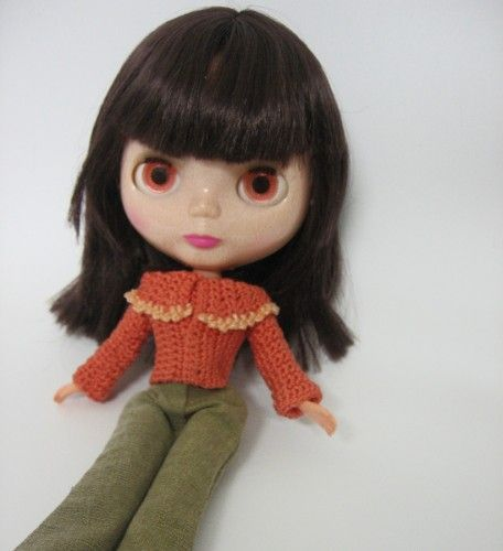 Crocheted orange jacket for Blythe. - must try