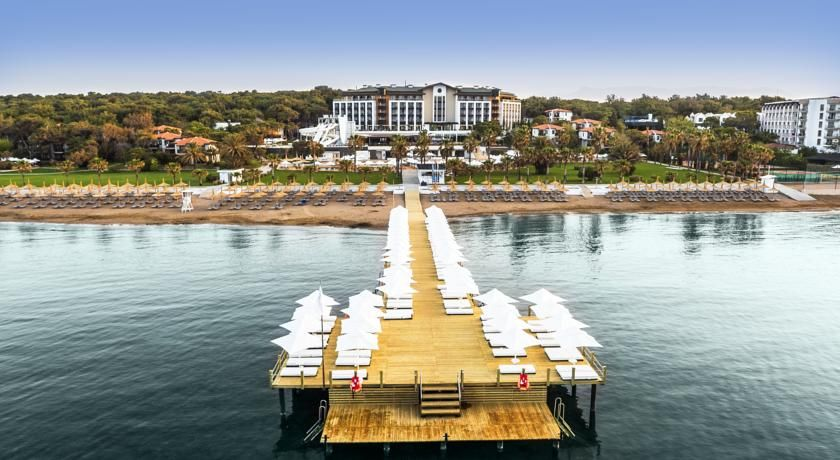 Voyage Sorgun Hotel Side Located In The Lush Sorgun Pine Forest This 5 Star Beachfront Resort Offers Indoor And Outdoor Swi Best Hotels Hotel Hotels In Turkey