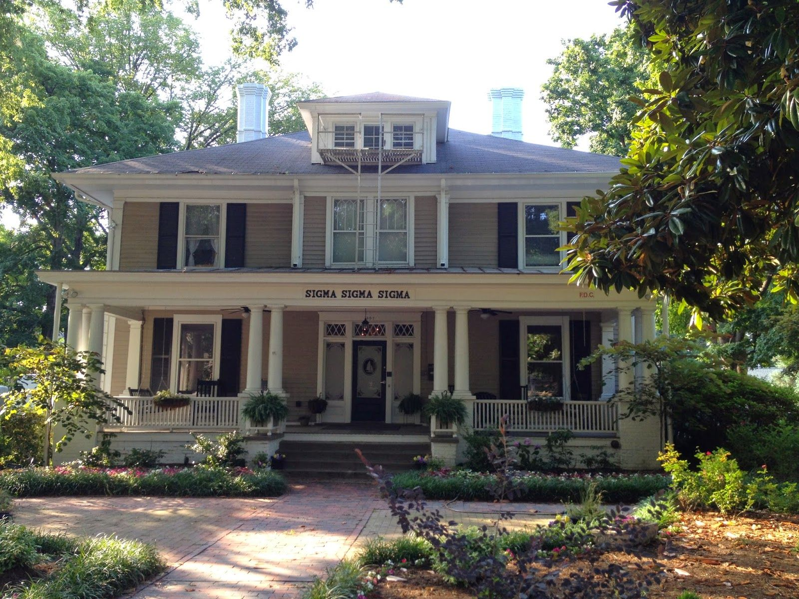 Unc Chapel Hill Sigma Sigma Sigma House Unc Chapel Hill House Styles House