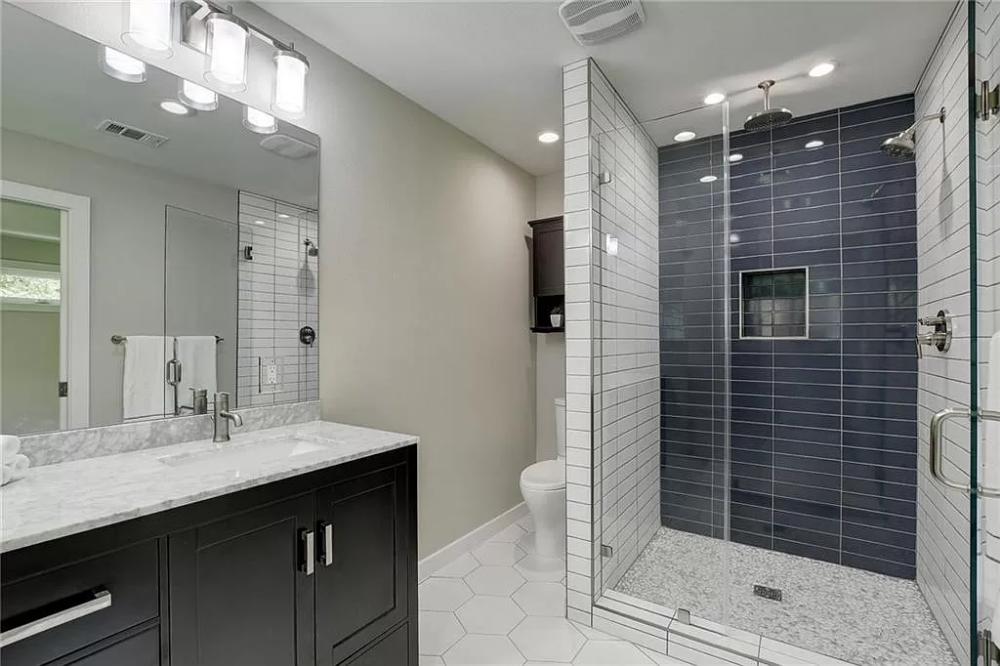 8708 Oakmountain Cir Austin Tx 78759 Mls 6489630 Zillow Bathroom Design Zillow Interior Details
