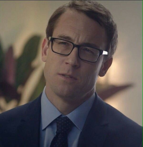 Tobias Menzies and glasses