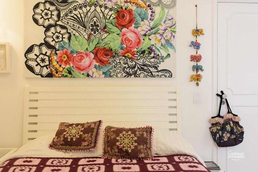 """Dona de um estilo contemporâneo, essa brasiliense foi absolutamente influenciada pela arquitetura modernista, como Lina Bo Bardi e Oscar Niemeyer. Para ela, a estética do design deve ter uma função. """"Não curto elementos decorativos que não possuem uma funcionalidade, e isso reflete diretamente os meus projetos. Sou da filosofia que menos é mais, mas não sou minimalista"""", conta."""