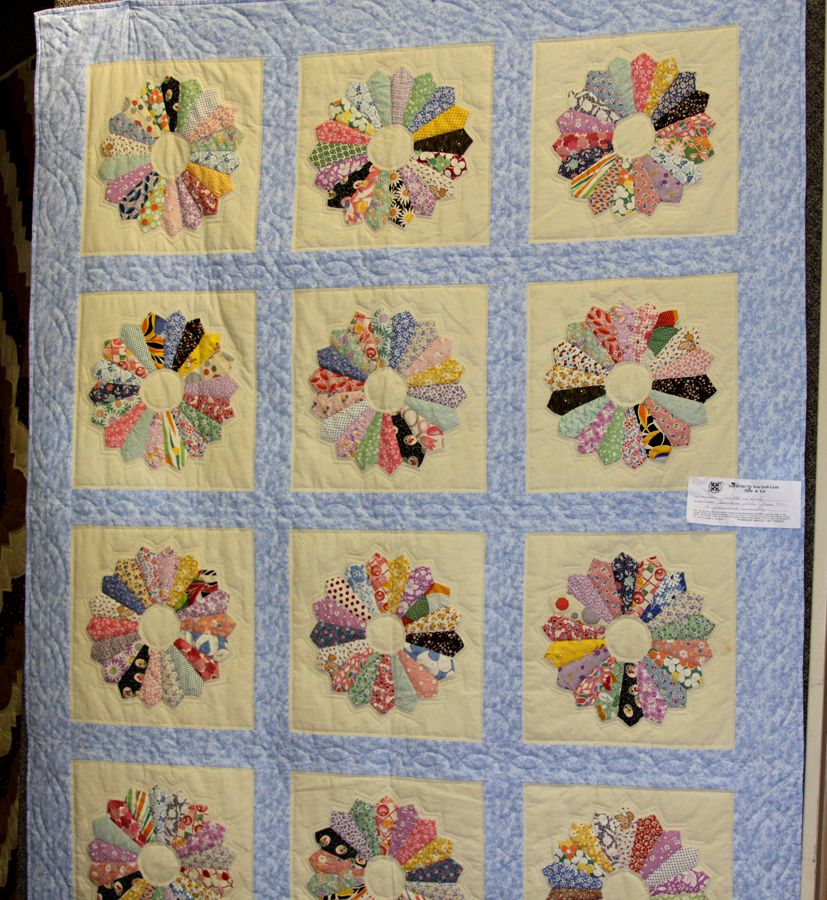 dresden plate quilt pattern | log cabin quilted presented by sandy towey quilted by sandy