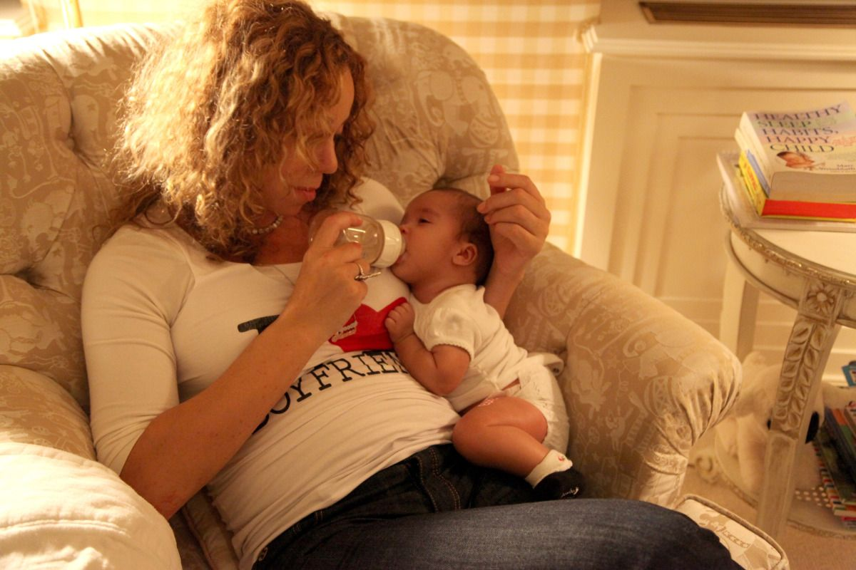 PHOTO How Mariah Carey Spends 'American Idol' Commercial