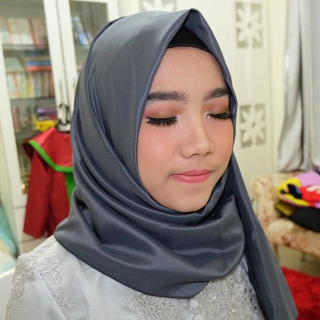 Photo of Make Up Wisuda Untuk Kulit Hitam Depok, Make Up Untuk Kebaya Wisuda Depok, Makeu…