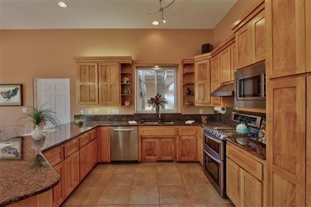 13502 Elena Gallegos Place Ne Albuquerque Nm 87111 New Mexico Homes Gorgeous Kitchens Fabulous Kitchens