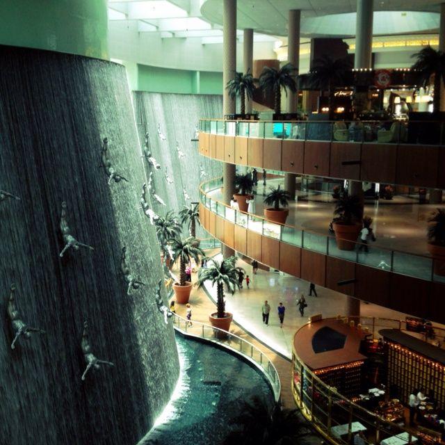 Dubai Mall Fountain Oasis At The Dubai Mall Dubai Mall