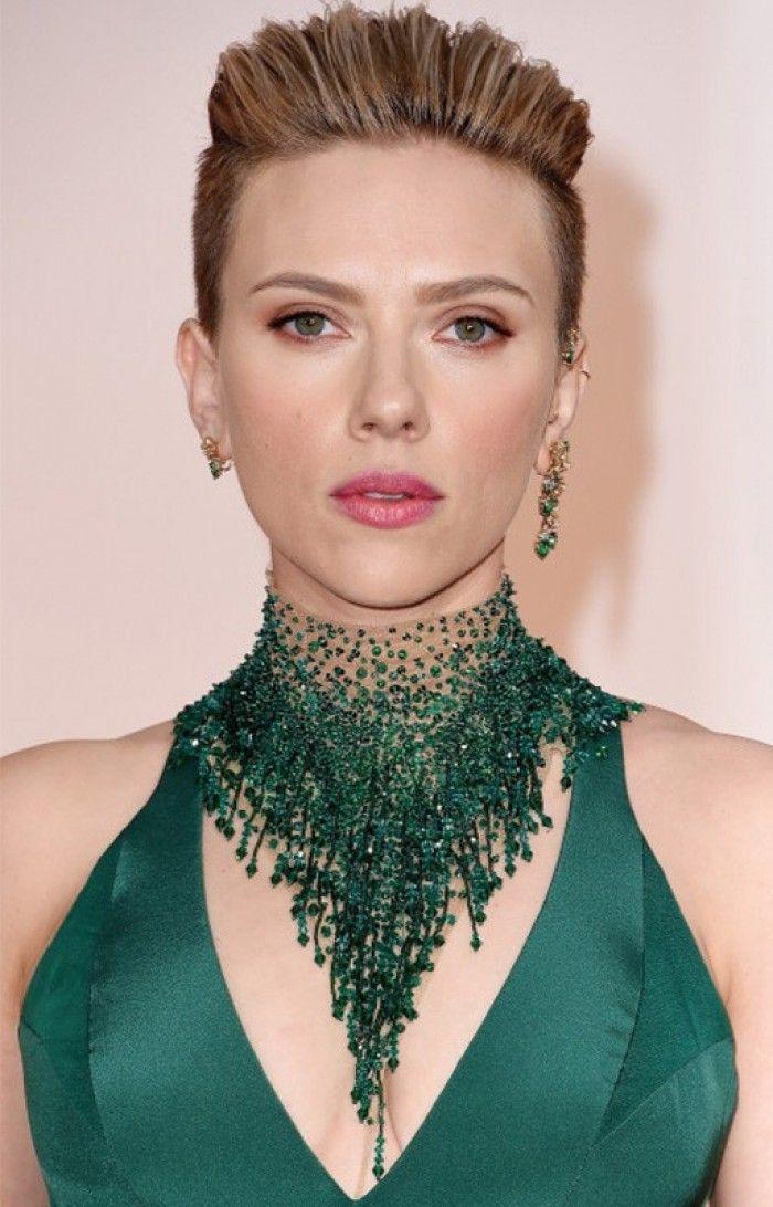Scarlett Johansson - تضع أقراط من Piaget