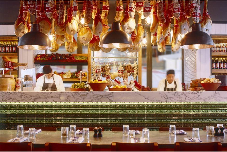 Martin Brudnizki Design Studio Has Worked With Jamie Oliver And His Team Since 2007 To Create Over Twenty Jamie S Wijnbar Interieur Italiaanse Keuken