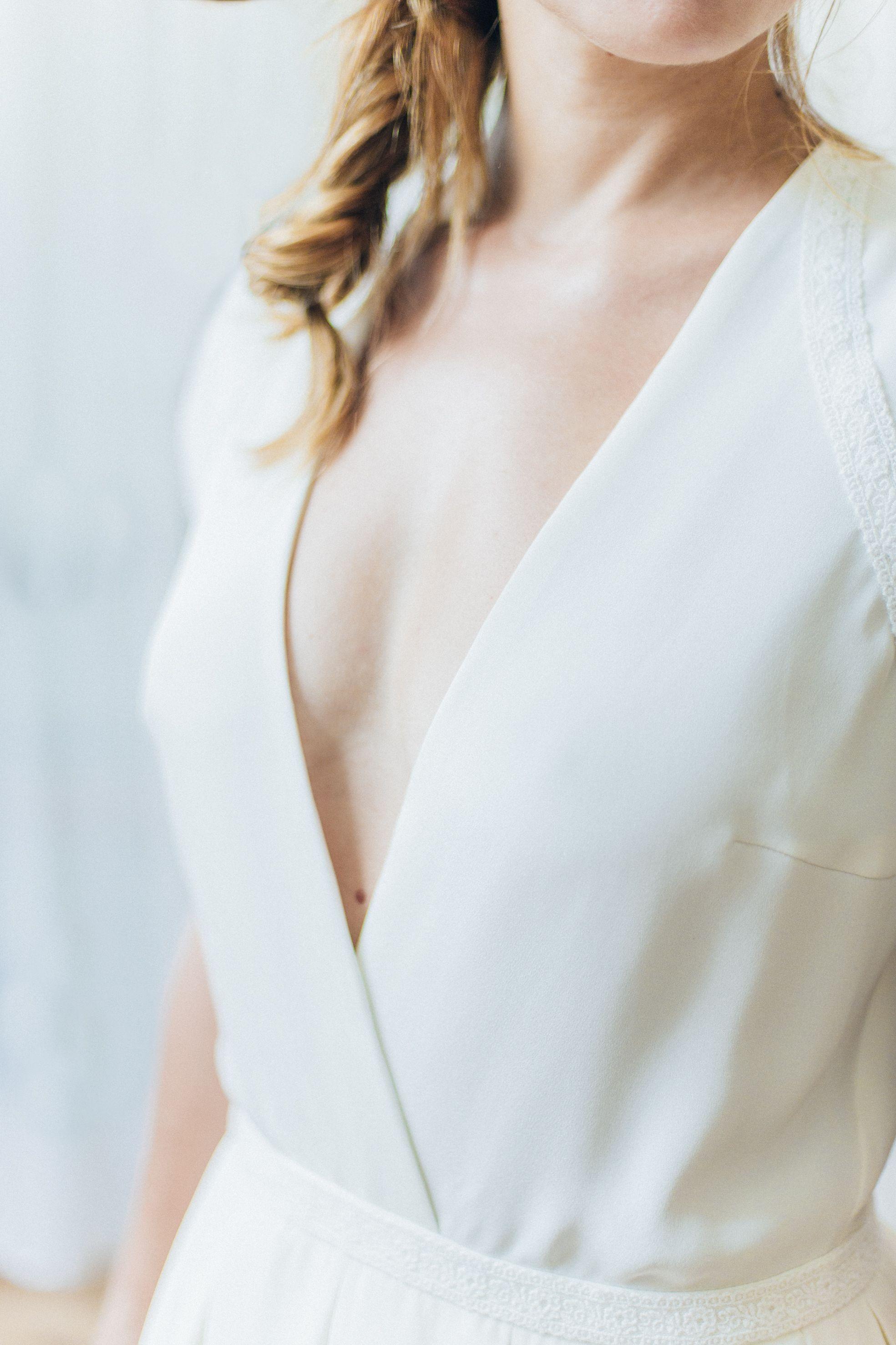 Robe de mariée: Ame  robe en soie lavée et galon en dentelle de Calais