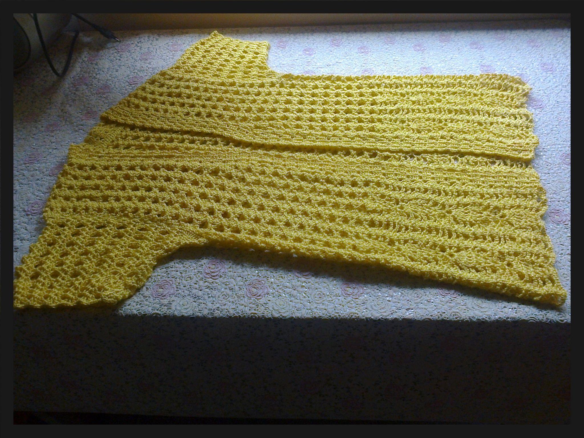 Chaleco tejido a crochet , de mi colección 2016..Tono amarillo, hilo tres hebras .