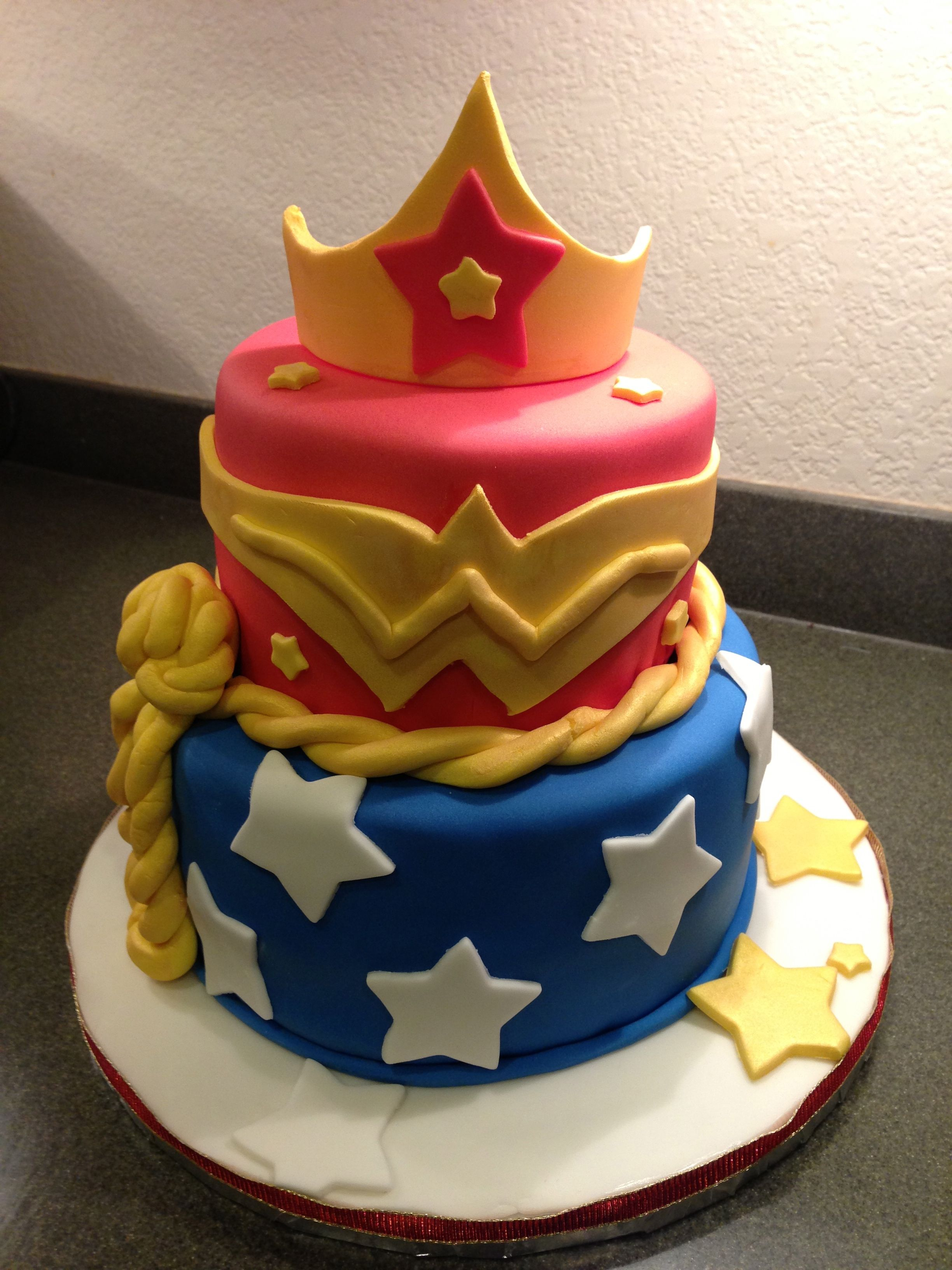 Wonder woman cake i want this for my birthday