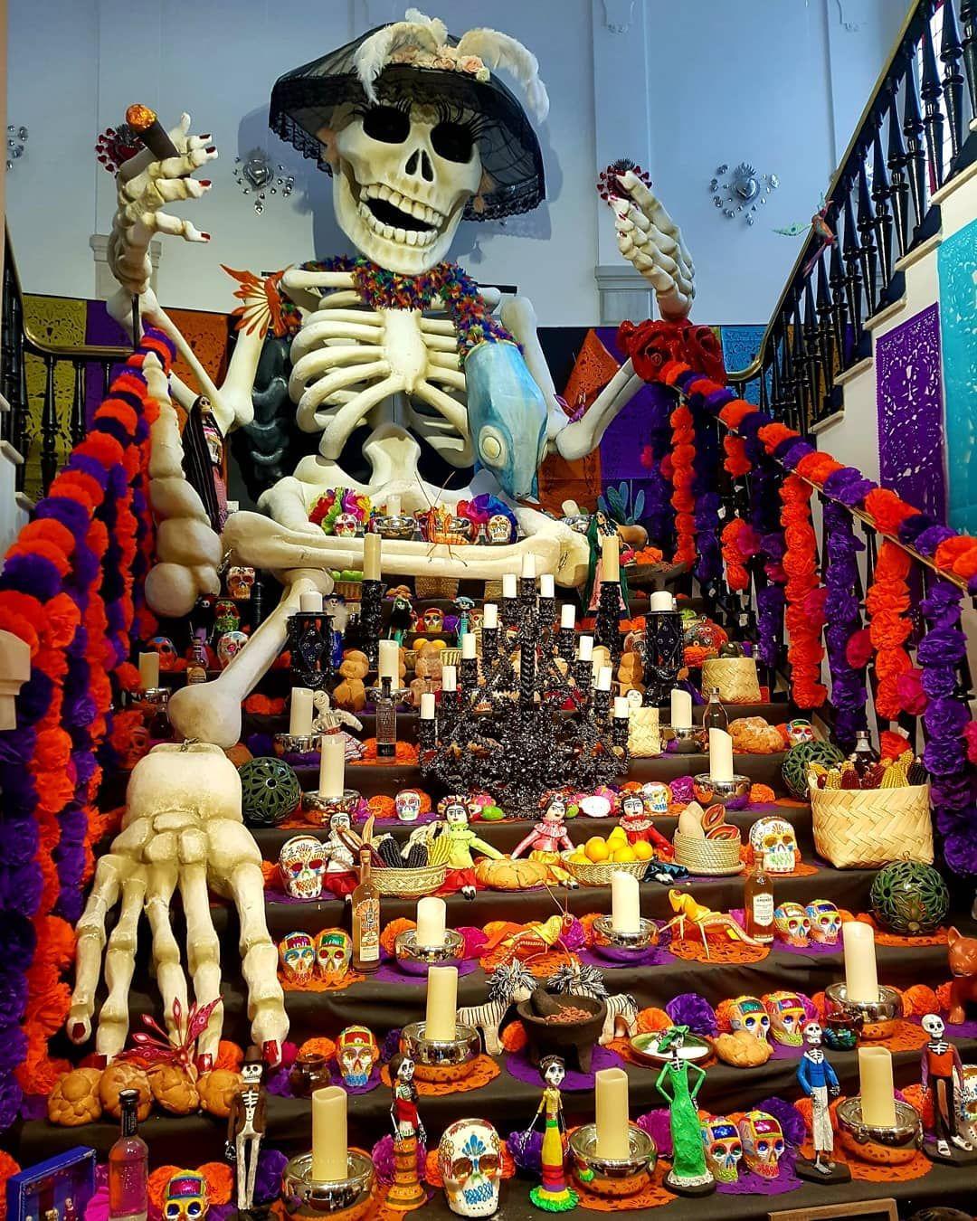 Altar de muertos de Casa de México en Madrid. El Día de