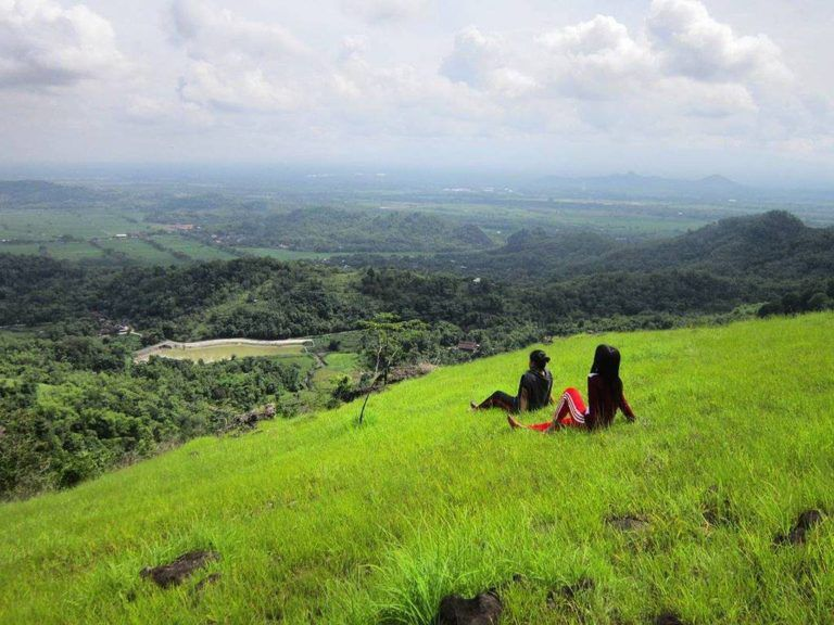Tempat Wisata Solo - Geopark Batu Seribu Solo | Wisata solo, Tempat, Solo