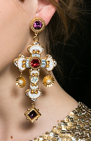 Fabulous earings Dolce   Gabbana, Dolce And Gabbana Earrings, Fashion  Accessories, Jewelry Accessories cea1ab5830