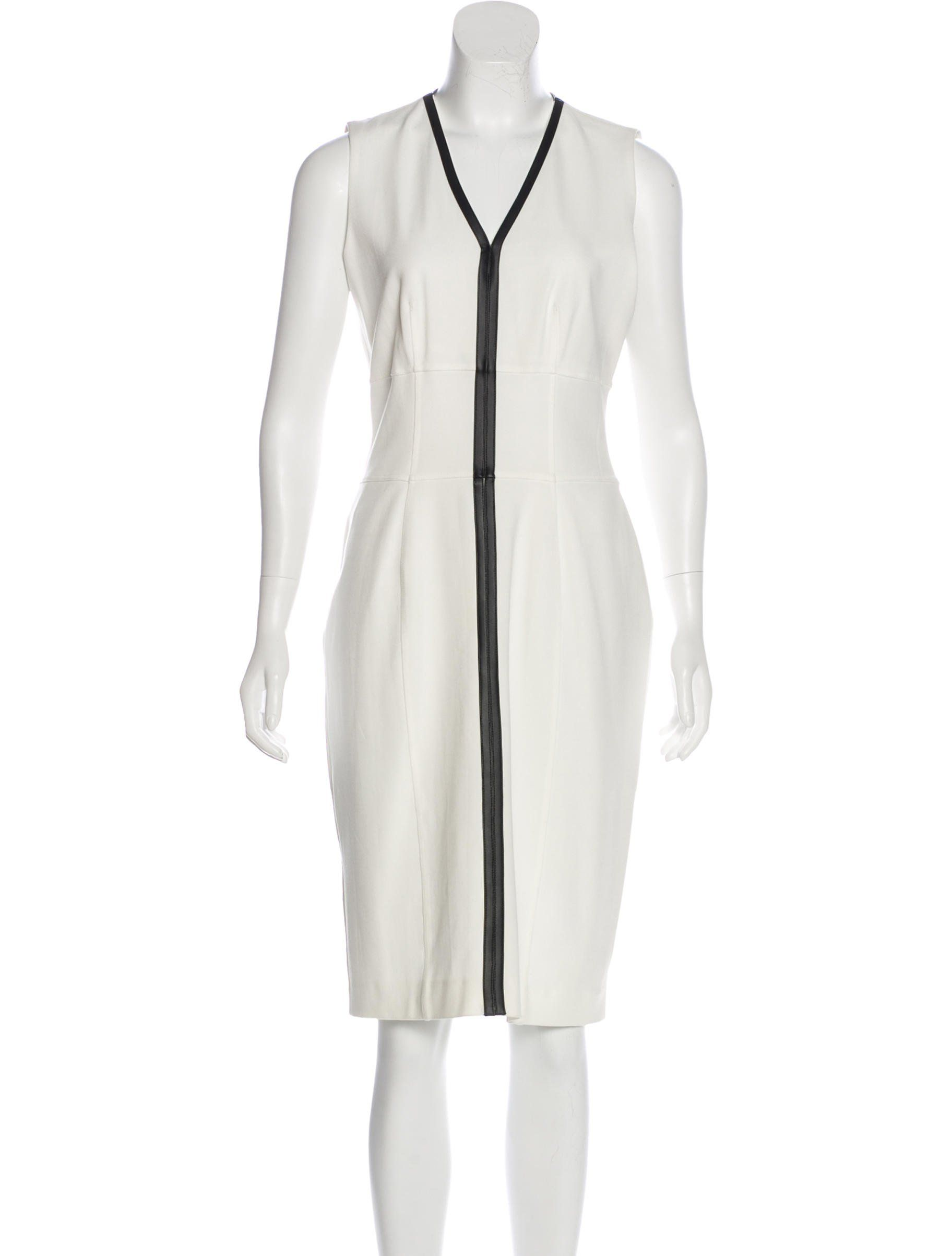 White Burberry London Sleeveless Midi Dress With V Neck Featuring Faux Leather Trim Paneling And Exposed Zip Closure Midi Dress Sleeveless Midi Dress Clothes [ 2406 x 1824 Pixel ]