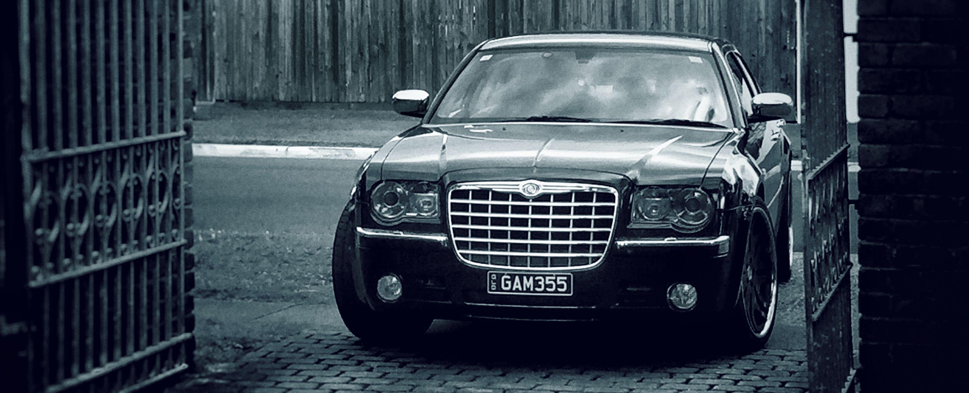 Chrysler 300c Hemi 5 7l V8 With Images Chrysler 300c Hemi
