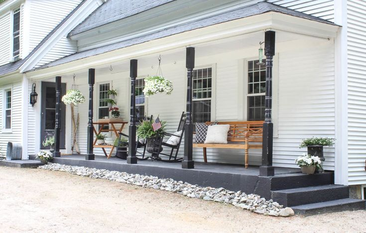 Spring Curb Appeal | Refresh your Front Porch - Rooms For Rent blog