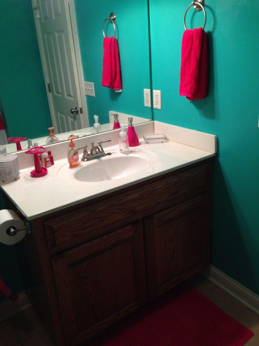 Teal Hot Pink Bathroom